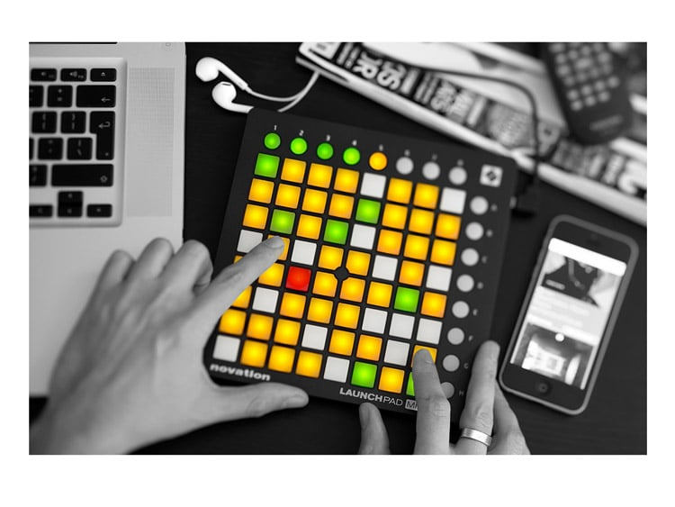 novation launchpad mini mk2 pad controller dj city. Black Bedroom Furniture Sets. Home Design Ideas